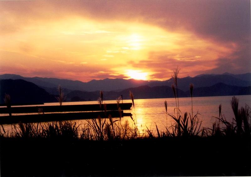 夕陽が美しく見える宿「かねまつ」